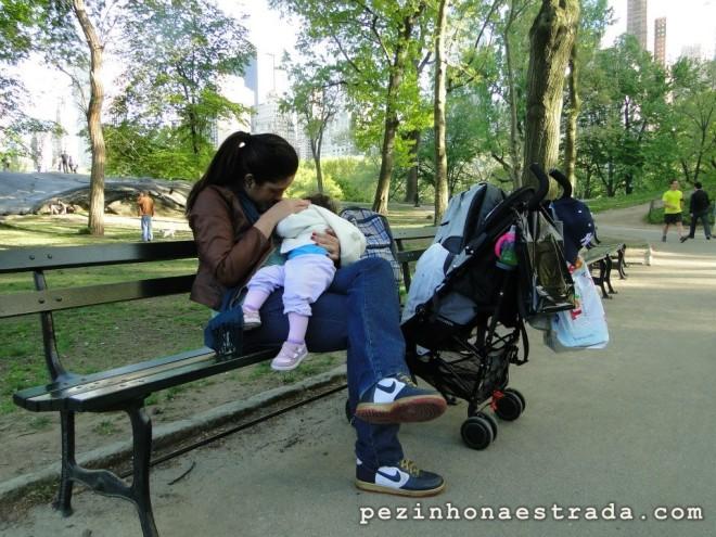 Pausa para mamar no Central Park