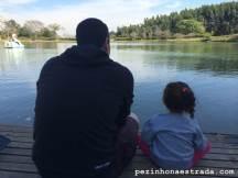 Bela e o papai comemorando juntos o Dia dos Pais.