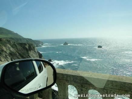 Passando pela linda Bixby Bridge, Big Sur