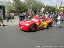 O McQueen passeando pela Radiator Springs, Disney California Adventure