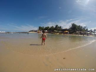 A Bela livre, leve e solta no mar tranquilinho de Tibau do Sul.