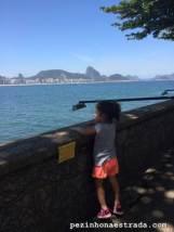 No Forte, apreciando a vista da praia de Copacabana
