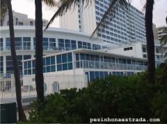 O condomínio, visto da praia